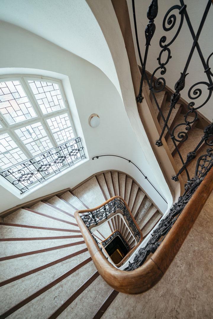 Treppengeländer und Stufen